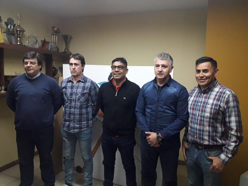 Juan José García (Titular del Comité Nacional de Hockey), junto a los entrenadores Juan Manuel Garcés, Jorge Otiñano, José Luis Páez y Carlos Mercado