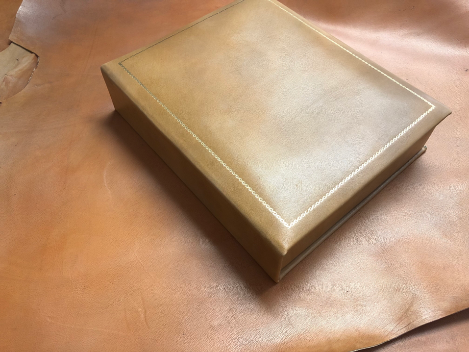 Conti Borbone scatole in pelle lussuose