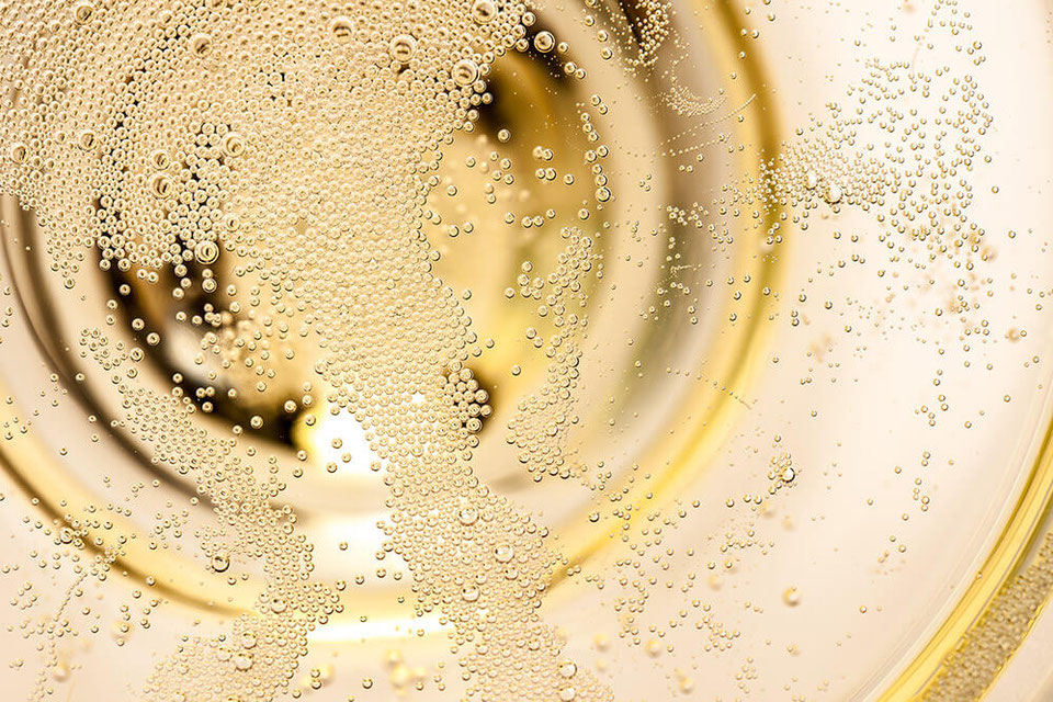 Ledergerbung mit echtem Champagner