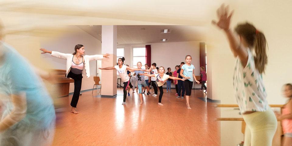 photos: Amélie Losier - dancer, choreographer: Mareike Franz