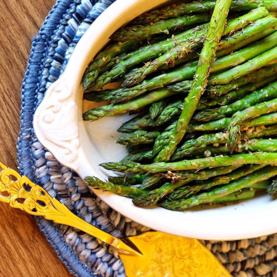 Oven Roasted Lemon Garlic Asparagus