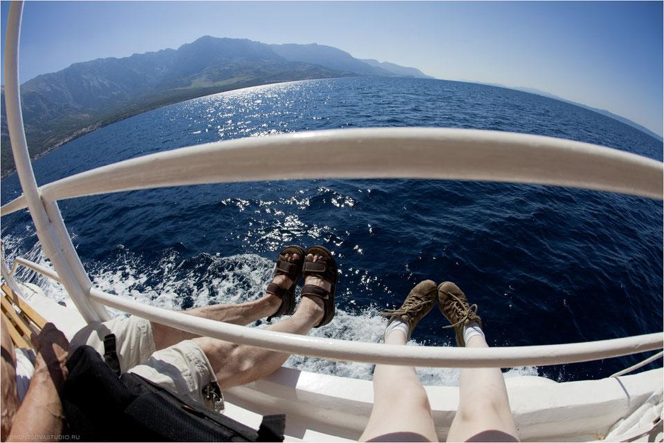 Сонник плыть на небольшом судне с мужчинами