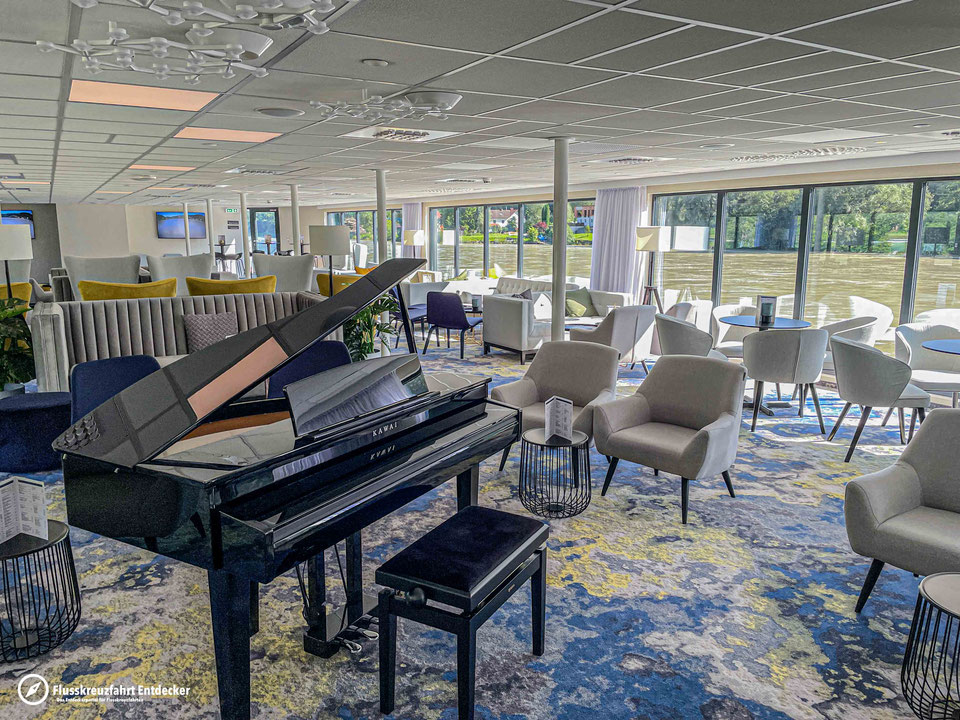 MS ALBERTINA Panorama Lounge