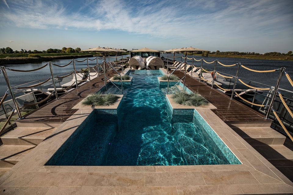 MS Andorinha Pool