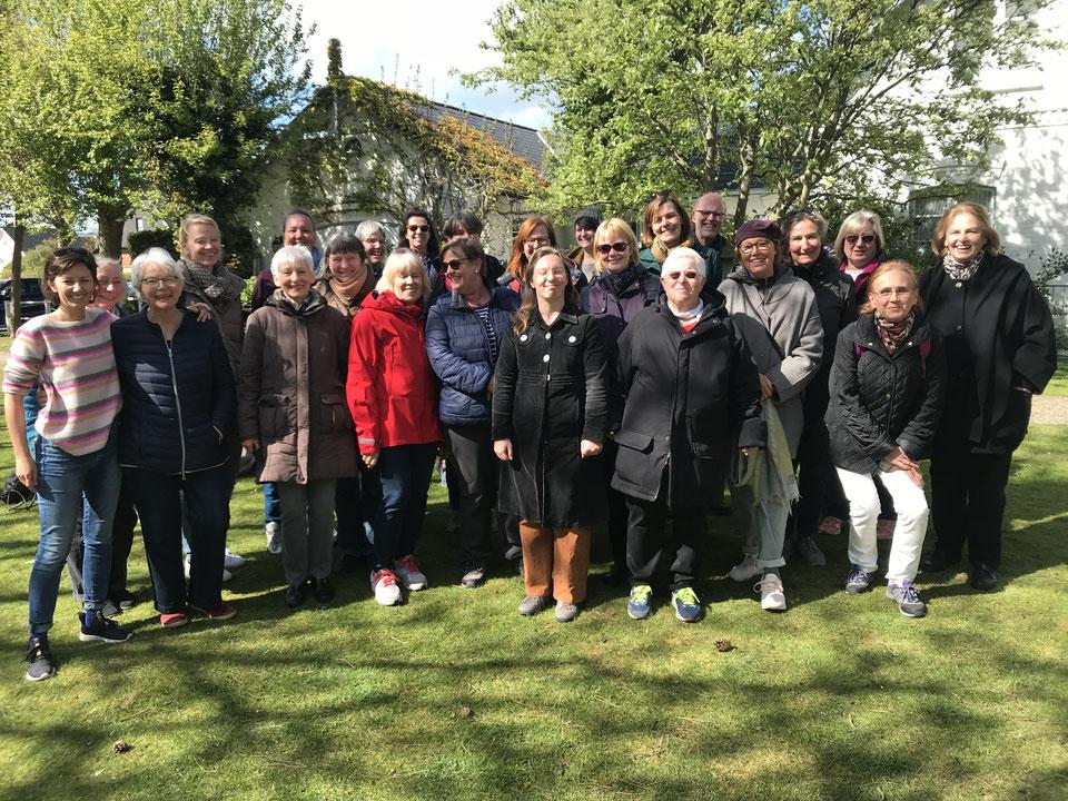 Das KulturLeben-Team im Sommer 2017 bei unserem jährlichen Ausflug – diesmal ging's auf die Elbinsel Kaltehofe