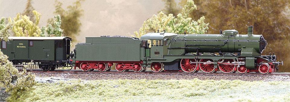 Modell: ROCO in Grün, etwas farblich aufgepeppt