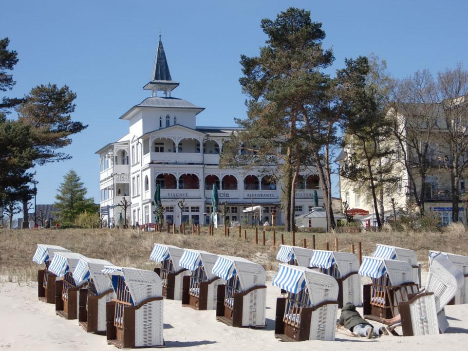 Villa Seeblick mit seinem Strandhaus, wunderbar am Meer gelegen.
