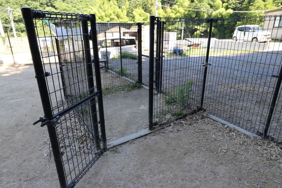 ドッグラン 2段階式ゲート
