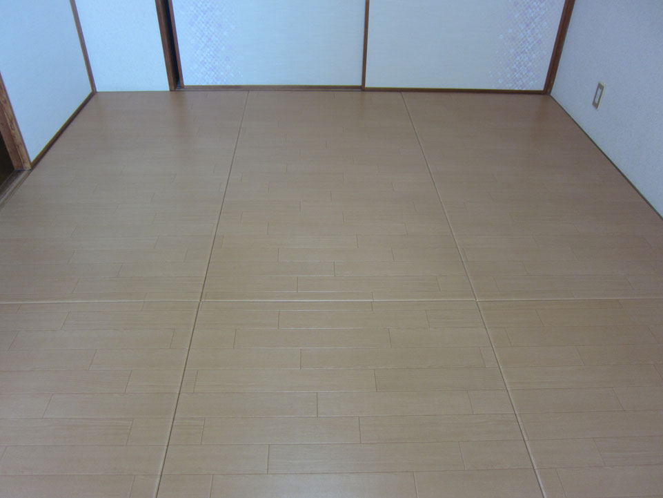 この床は、畳です。リフォーム畳®です。マンションの施工ですが、畳なので管理組合に工事の許可申請を求められた事はありません。