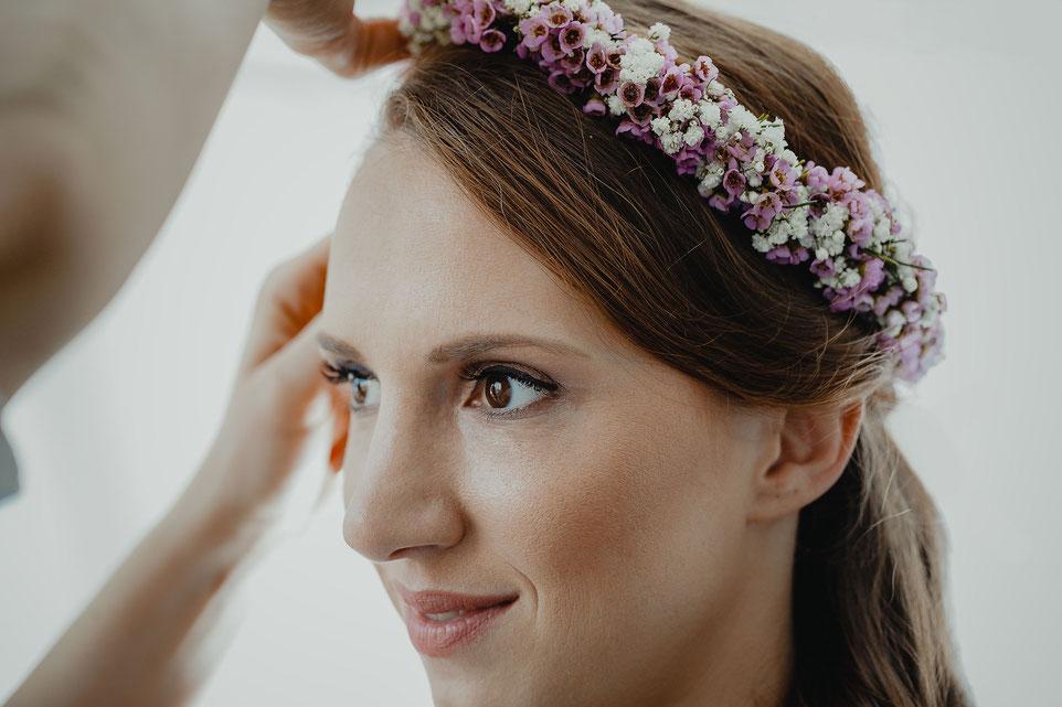 Boho Blumenkranz in den Haaren