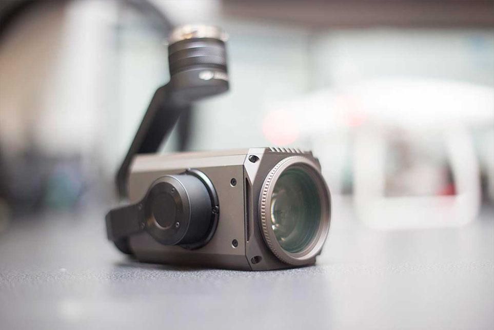 Zenmuse Z30 de la marca DJI es un estabilizador con Zoom óptico industrial listo para usarse con drones DJI