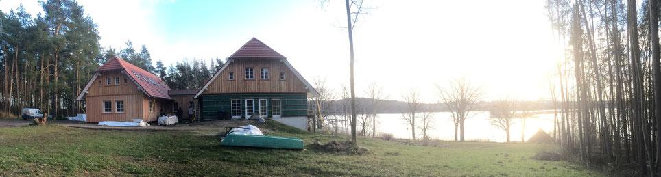 Anbringen der Lärchenholzfassade