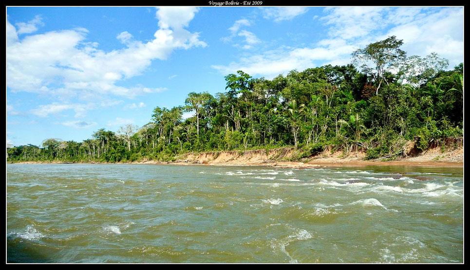 © Guillaume Deschanel - Amazonie - Fleuve du Rio Beni en Bolivie dans le Parc Madidi
