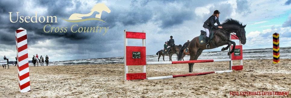 Höhepunkt am Sonntag: Galopp mit 60 Reitern entlang des Ostseestrands mit Spung über die ehemmalige Grenze zu Polen