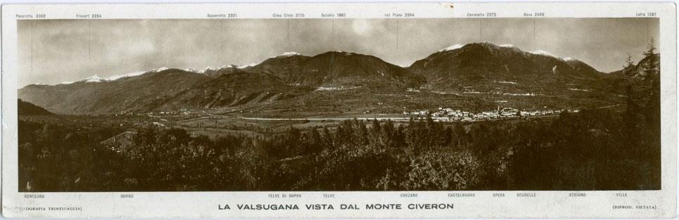 """La Valsugana vista dal Monte Civeron"". Gelatinesilberabzug 9,7 x 29,8 cm; Impressum: Fotografia Trintinaglia, Borgo Valsugana 1913.  Inv.-Nr. vuPANgs00001"