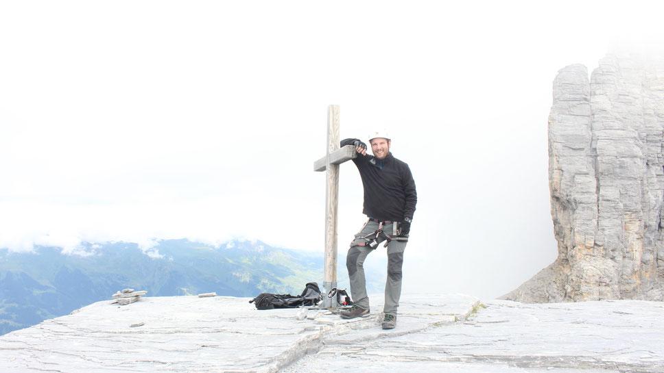 Die Eiger-Nordwand im Rücken: Auf dem Gipfel des Rotstocks (Foto: Georg Wolf)