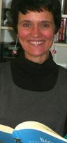 Bei der Vorbereitung auf den Unterricht: Elisabeth Meuser