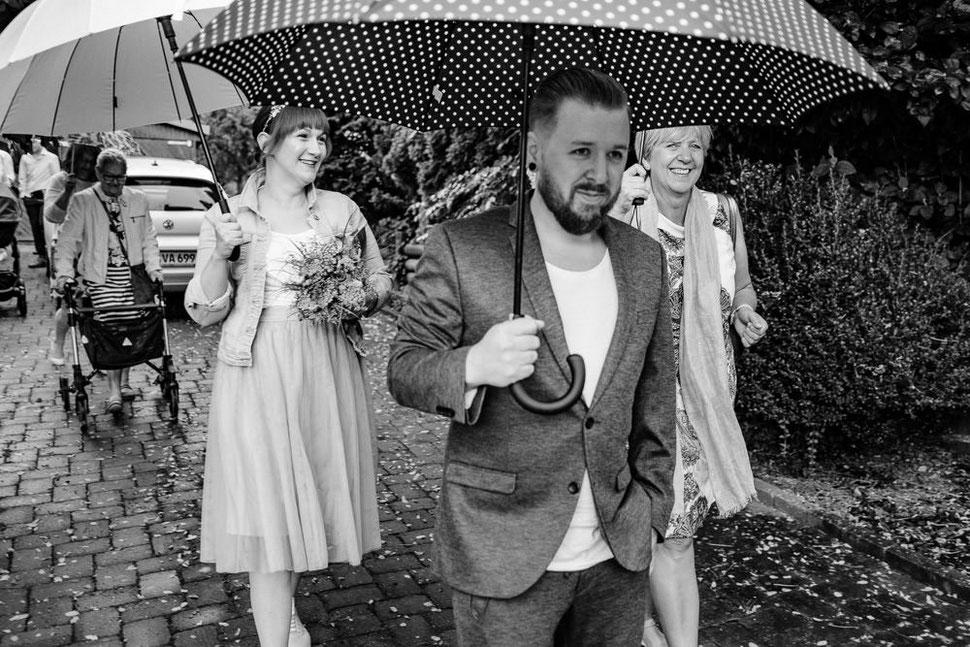 Hannover Hochzeit, Hochzeitsfotograf Thomas Sasse, Natürliche Reportagen Magdeburg, Hof Wietfeldt, Trauung Standesamt Bad Münder