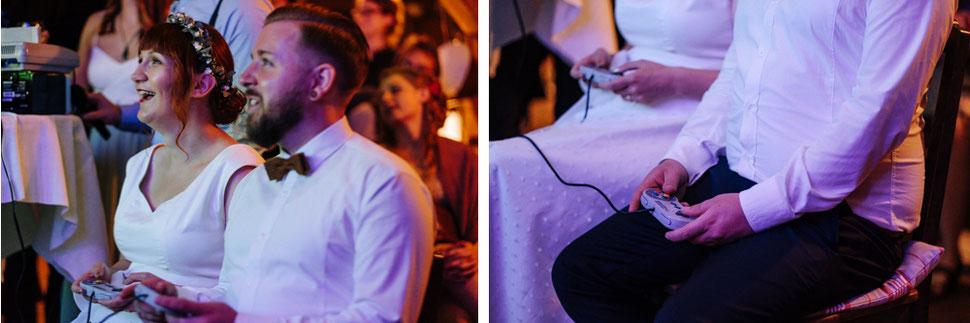 Hannover Hochzeit, Hochzeitsfotograf Thomas Sasse, Natürliche Reportagen Magdeburg, Hof Wietfeldt, Sommer Hochzeit Brautpaar Mario Kart
