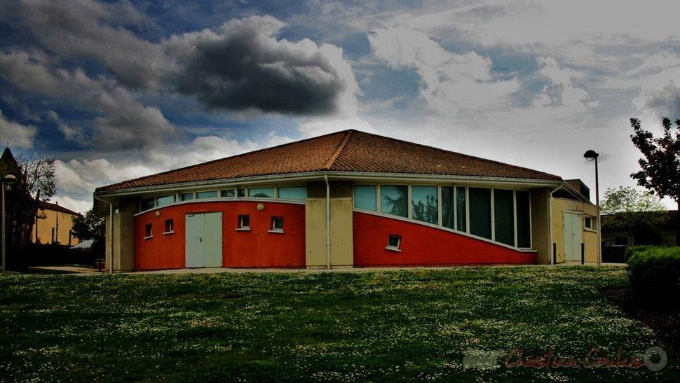 Salle culturelle de Cénac, Gironde. Photographie Christian Coulais