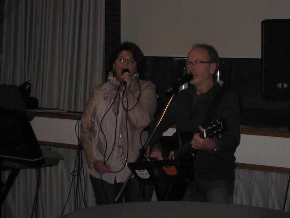Musikalische Unterhaltung durch die Mitglieder Friedchen und Waldemar