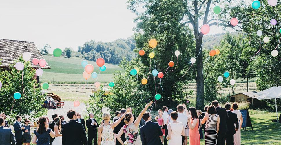 Gäste nach freier Trauung – Foto von Daniela Porwol