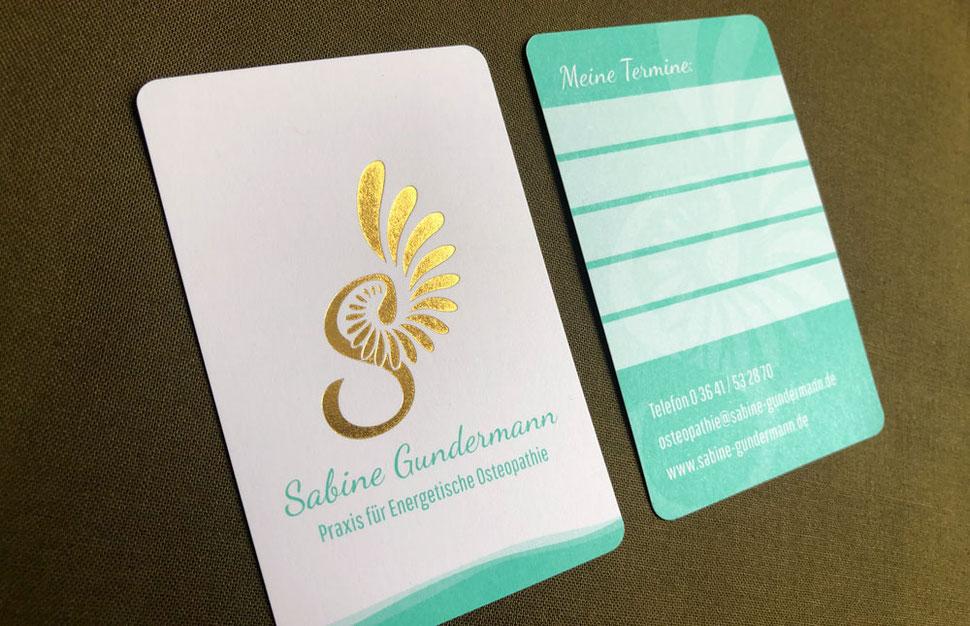 Terminkarten-Design mit Heißfolienprägung Gold für Praxis für Energetische Osteopathie