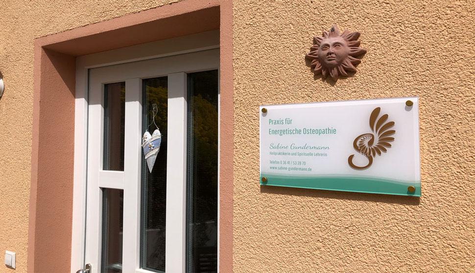 Schild für Praxis für Energetische Osteopathie