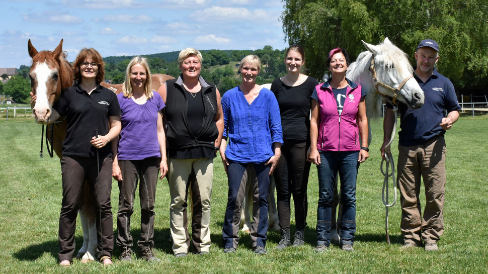 Jarusch, Petra, Sabine, Tanja, Heike, Ulrike, Andrea, Viole, Alexander (nicht im Bild: Martin)