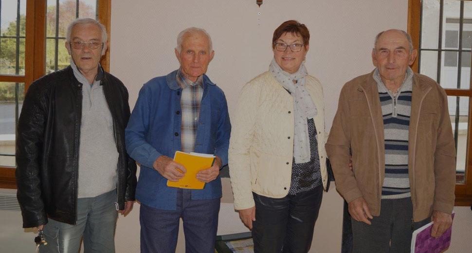De gauche à droite : Jacques Cernet, Robert Breton, Jacqueline Picart et Bernard Roulot.