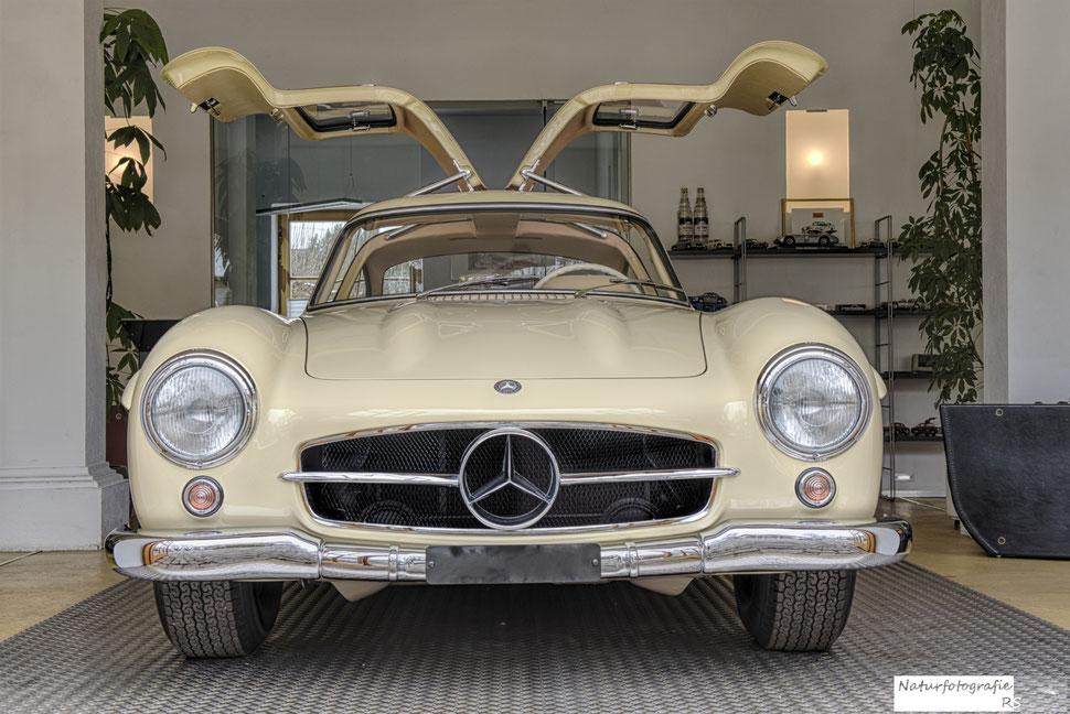Mercedes 300 SL - einer von 29 (!!!) gebauten Exemplaren mit einer Aluminium Karosserie - geschätzter Wert - ein zweistelliger Millionenbetrag