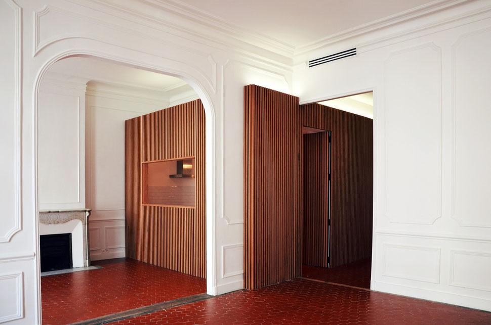 bertrand guillon architecture - architecte - marseille - appartement - haussmanien - moulures - bois - bardage - claustra - classique - marbre - cheminée