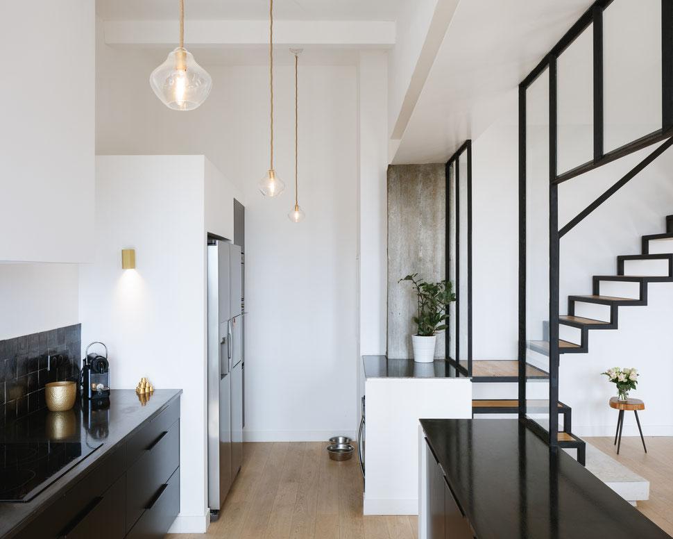 bertrand guillon architecture - architecte - marseille - MAISON GM - rénovation - intérieur - interiordesign - roucas - cuisine noire - acier - béton - bois - verrière