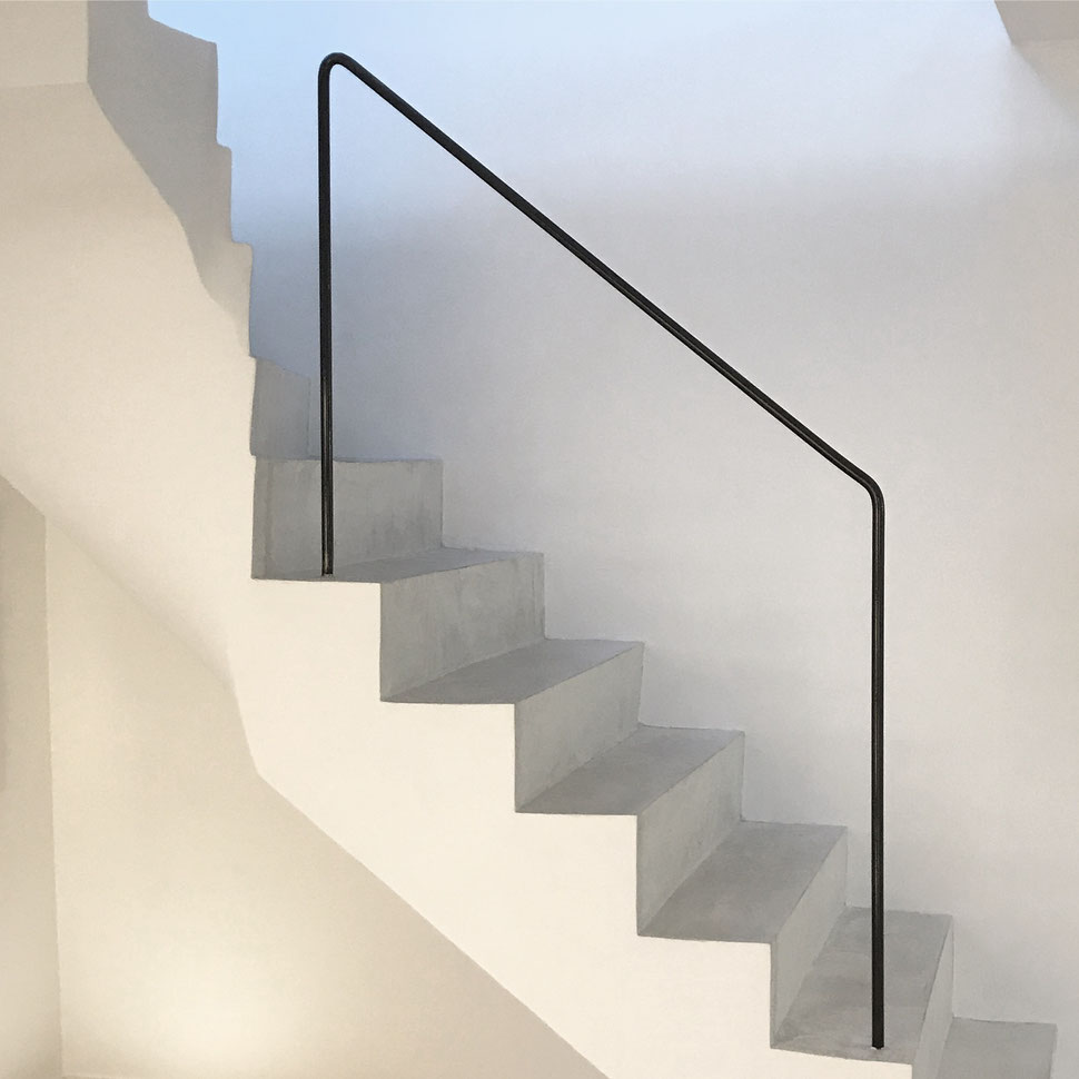 bertrand guillon architecture - architecte - marseille - DUPLEX H - rénovation - intérieur - interiordesign - endoume - escalier - béton ciré