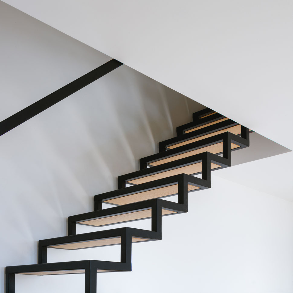 bertrand guillon architecture - architecte - marseille - MAISON GM - rénovation - intérieur - interiordesign - roucas - escalier - acier - béton - bois - détail