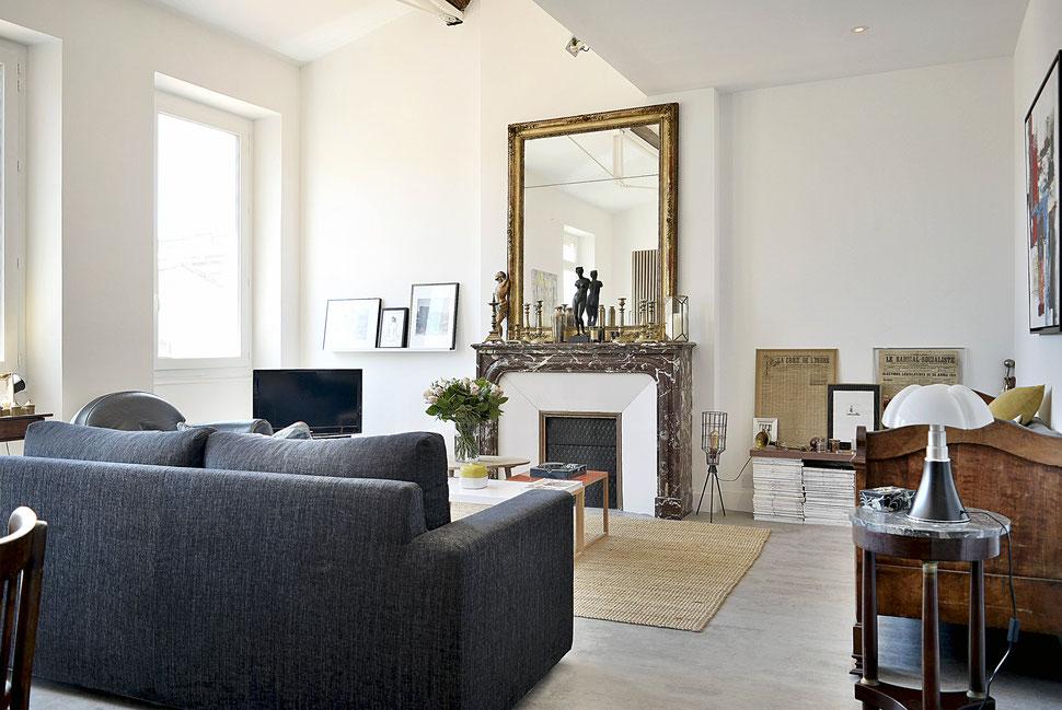 bertrand guillon architecture - architecte - marseille - appartement - rénovation - intérieur - interiordesign - cheminée - miroir ancien - pipistrello