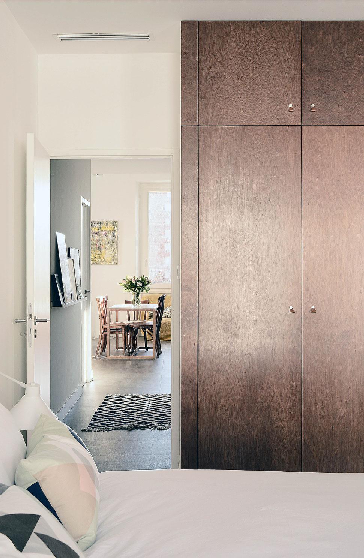 bertrand guillon architecture - architecte - marseille - appartement - rénovation - intérieur - interiordesign - placard - bois - contreplaqué - chambre