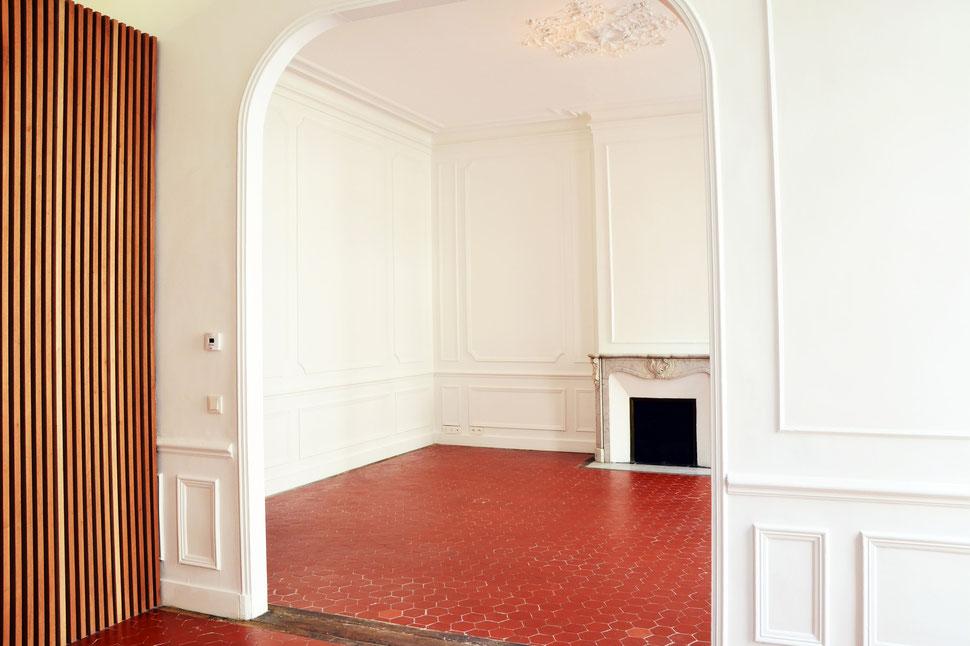 bertrand guillon architecture - architecte - marseille - appartement - haussmanien - moulures - bois - bardage - claustra - classique - marbre - cheminée - rénovation - restructuration