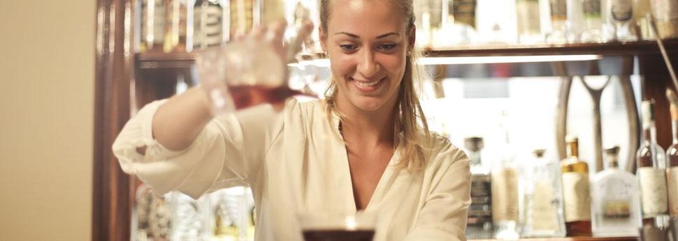 Partyservice für Hochzeit Catering - Preise berechnen für Ihren Event. Der Hochzeitscaterer - Es werden in unserer Küche keine künstliche Aromen und Geschmacksverstärker verwendet. Partyservice bietet alles vom Buffet - 3 -5 Gänge Menue - zur Hochzeit!