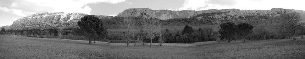 Vue Panoramique de l'hotellerie, au pied de la Sainte Baume