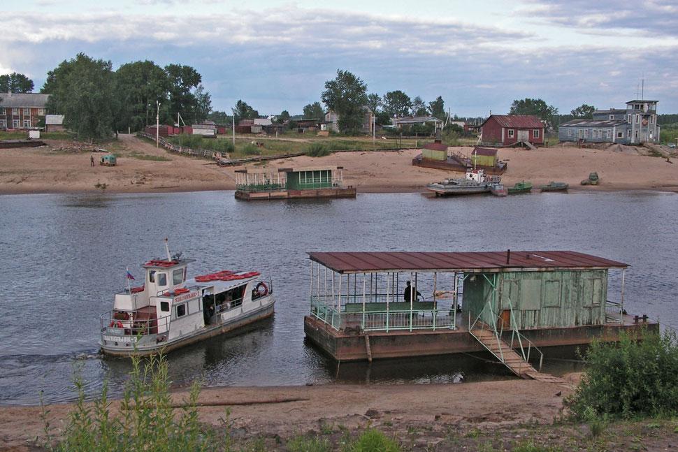 Syktywkar Fähre Syssola-Fluss Komi-Republik