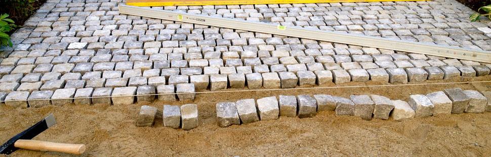 Steinarbeiten Umrandug Steinmauer Platten