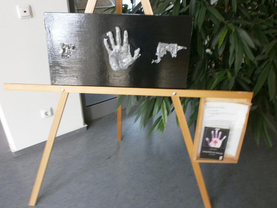 """Werk: """"Herz, Hand und Verstand"""" / Künstler: Carsten Behm / Ausstellung: """"words and truth"""" im Rathaus der Gemeinde Vechelde / 2012"""