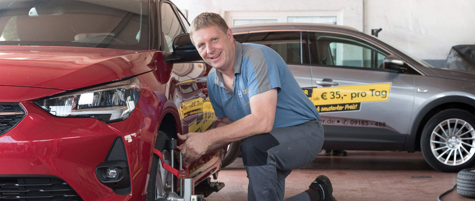 Auto Mößler Mühlhausen. Mehr-Marken-Meisterwerkstatt und Opel-Service-Partner. Armin Mößler (li.) Kfz-Meister & Inhaber. Rainer Mößler (re.) Kfz-Meister & Tuningexperte.