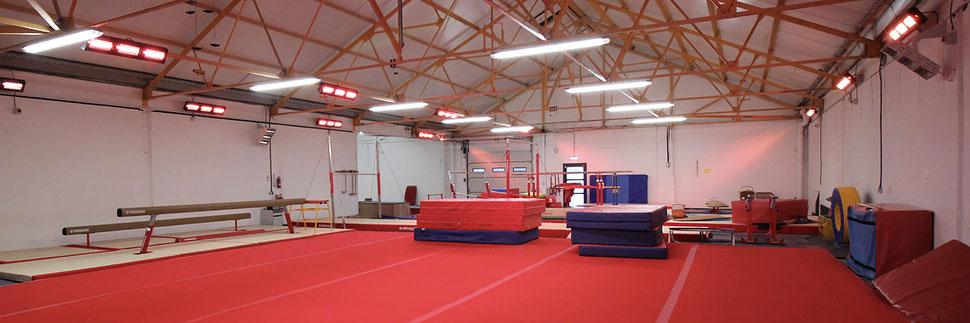 Sporthalle erwärmen mit Infrarot-Heizung