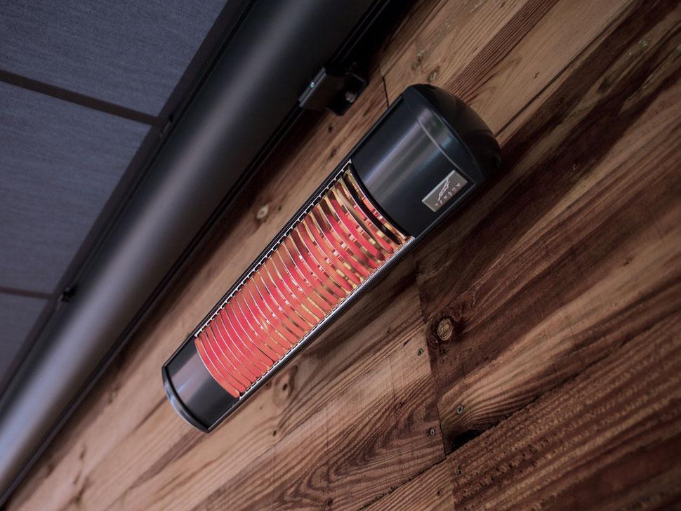 Montage von heizstrahlern auf Holz