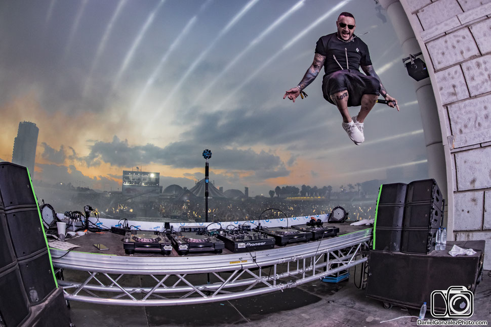 Daniel Gonzalez, Daniel Gonzalez fotógrafo, fotógrafo, fotógrafos, fotógrafo de eventos, fotógrafo de festivales, fotógrafo en España, fotógrafo profesional, DJ, Mixing, DJ Mixing, Festival, Club, Music, EDM music, DJ Nano, Medusa Sunbeach Festival