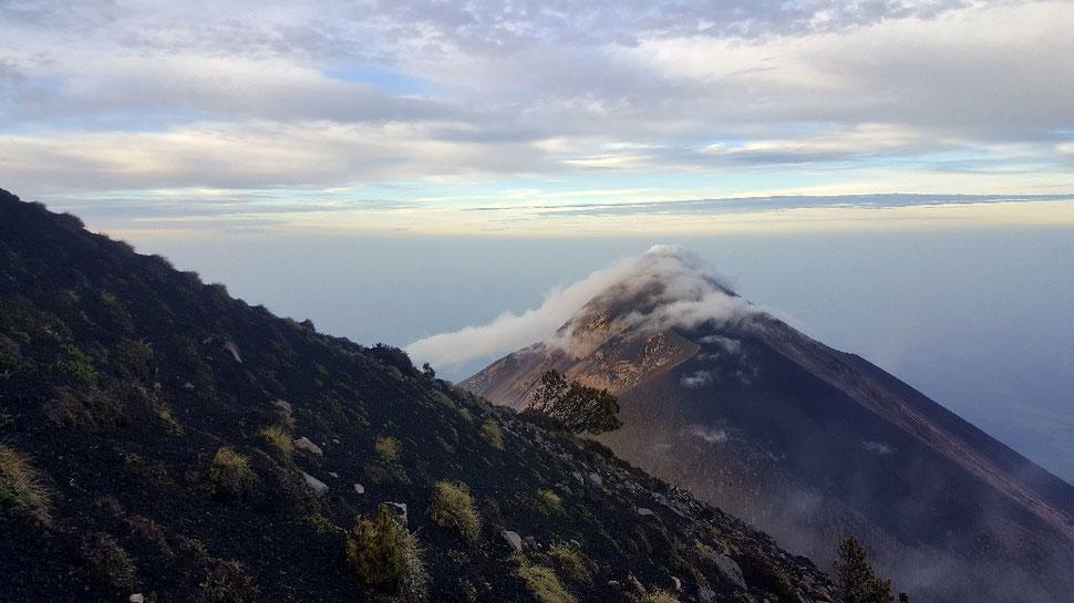 Die Sicht auf den hochaktiven Fuego
