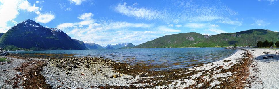 Blick in den Fjord von Andalsnes