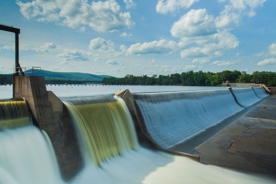 Bucher Treppen - moderne Treppenherstellung mit Präzision - nachhaltiger Firmenstrom aus 100% regenerativen Quellen: Wasserkraft.